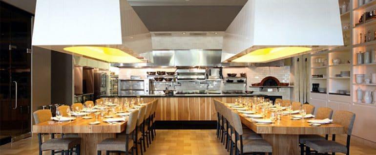 the-selzim-restaurant-huge-light