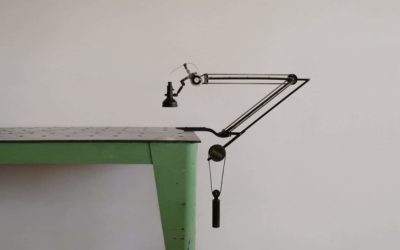 Nice and simple balanced Desk lamp