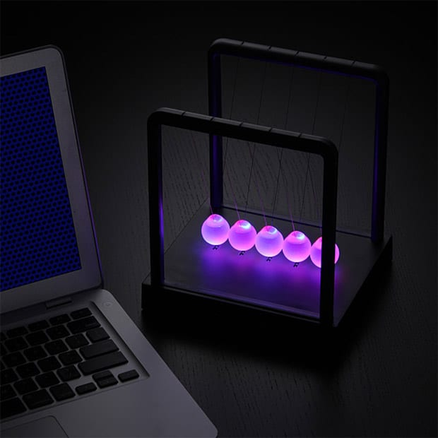 LED Light-up Newton's Cradle