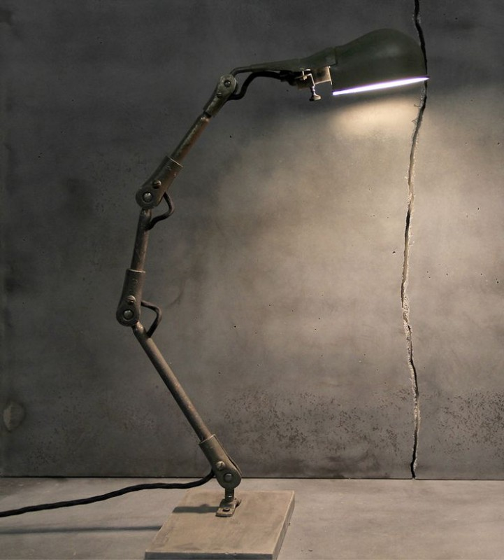 Simple Metal Rustic Vintage Desk Lamp - desk-lamps