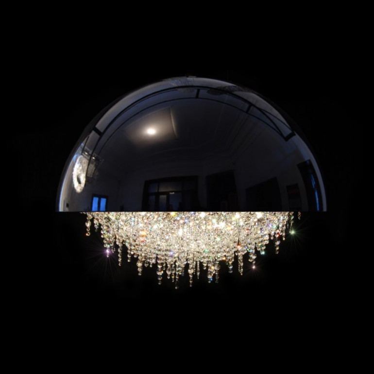 Manooi Chandelier