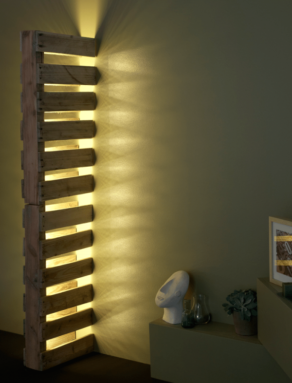 Wall Pallet Lamp in wood lamps