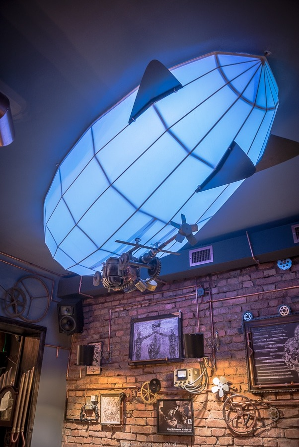 Steampunk Bistro Pub with nice lamps1