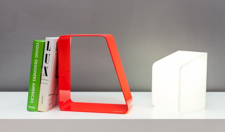 Reading and Storing: Wireless Ludovica Desk Lamp - desk-lamps