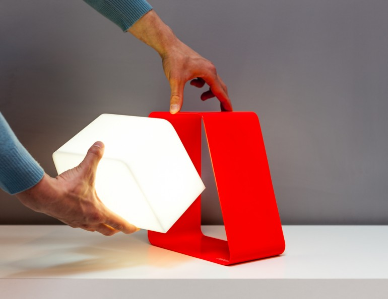 Wireless Ludovica Lamp1
