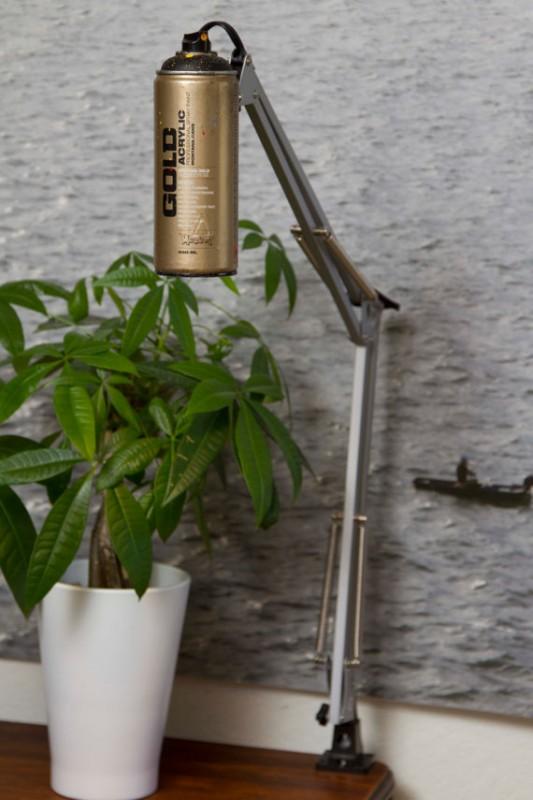 SprayPaint lamp1