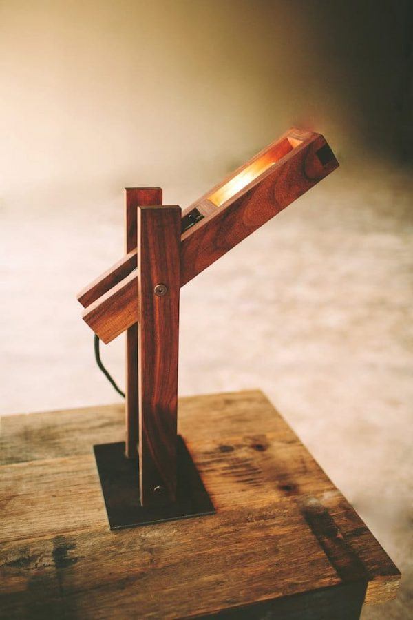 8 Best Handmade Wooden Desk Lamps Id Lights