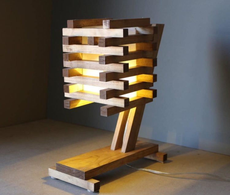 10 inventive ideas of wood pallet lamps id lights for Lamp wooden