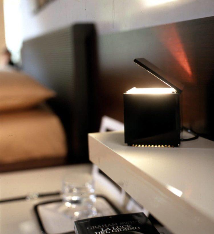Cuboluce: Super Convenient Table Lamp from 1972 Table Lamps