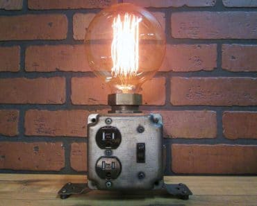 Industrial Table Lamp Plug Charging Station