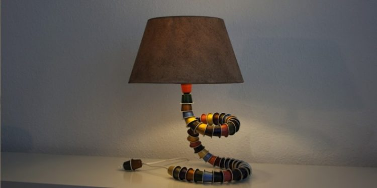Look what you can make with old Nespresso caps: a Table Lamp! Table Lamps