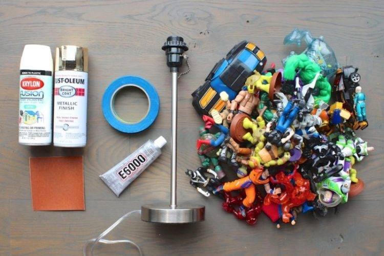DIY Action Figure Table Lamp : Tutorial & Video Table Lamps