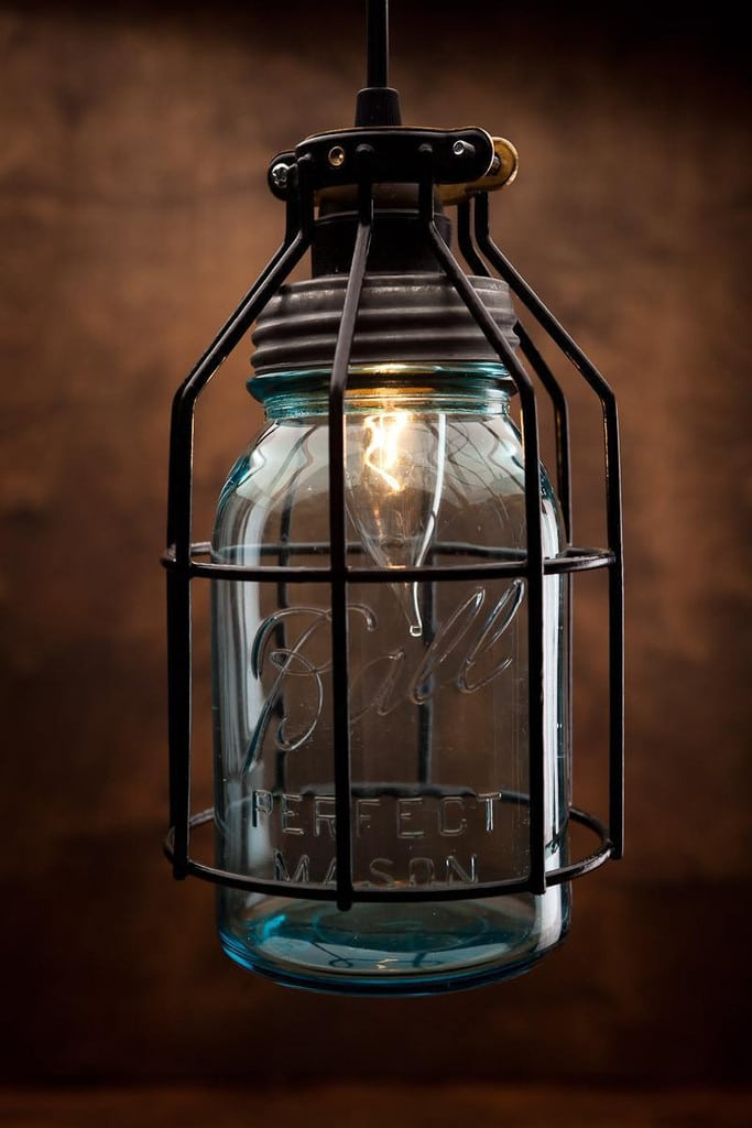 Rustic vintage lamp with vintage corporation mason jar for Hanging lights made from mason jars