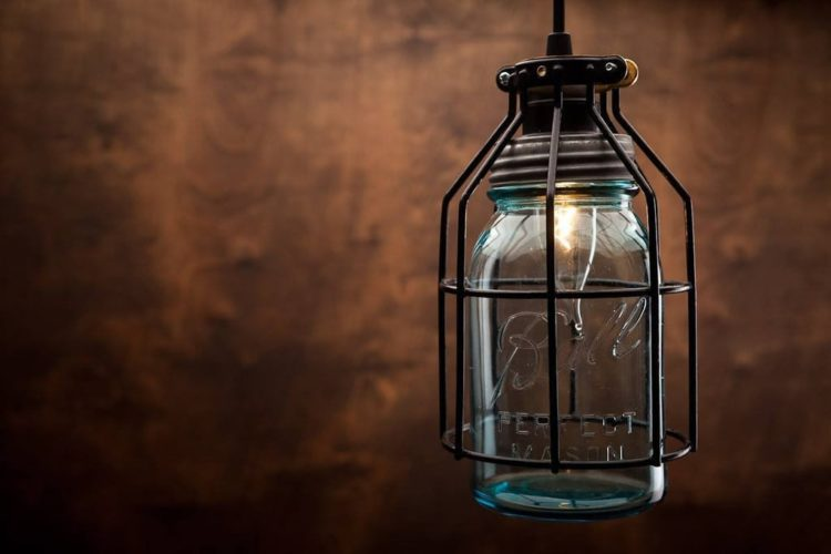 Rustic vintage lamp with vintage corporation mason jar for Glass jar floor lamp