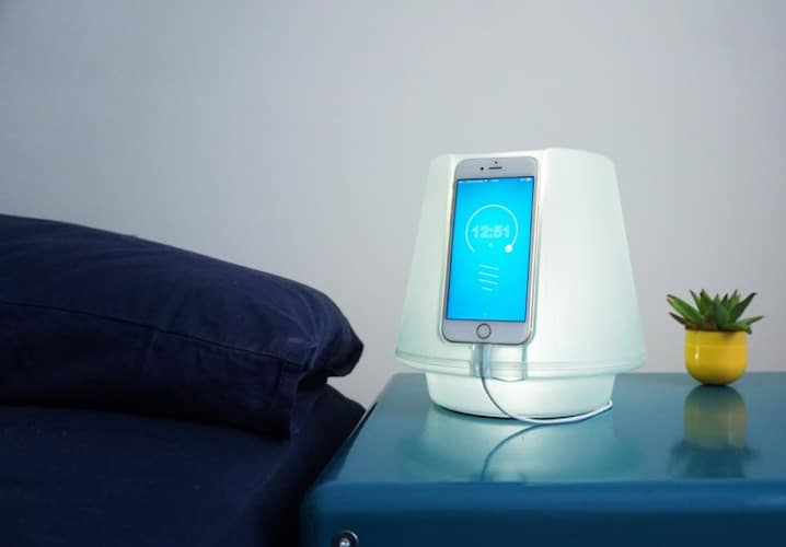 UpLamp Transforms iPhone 6 into Bedside Lamp (video) Desk Lamps