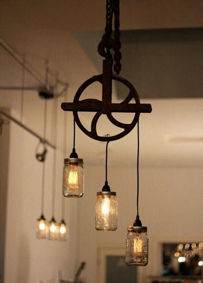 Beautiful Well Pulley Lamp with Mason Jars