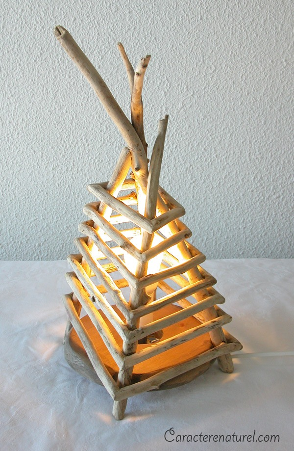 Handmade driftwood bedside lamp id lights for Chandelier bois flotte