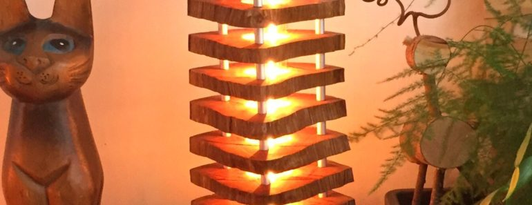 Column Wood Log Lamp