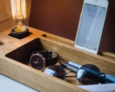 Docking Station with Edison Lamp