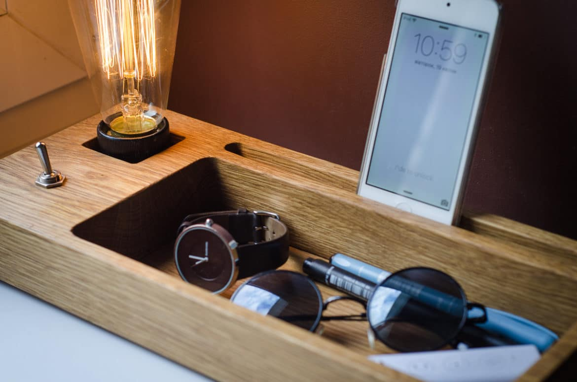 Docking Station With Edison Lamp Id Lights