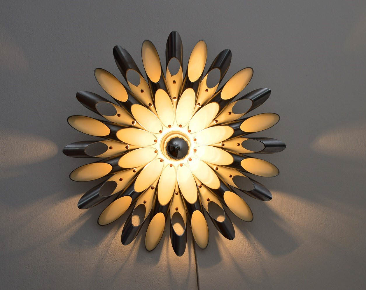 Design Space Age Wall Sconce - wall-lights-sconces