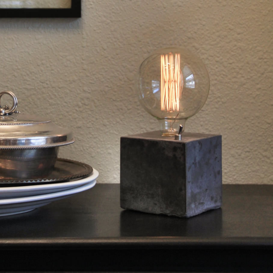 Simple Concrete Desk Lamp 1 - Table Lamps - iD Lights