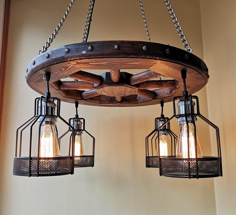 16 Amazing Wood Wagon Wheel Chandeliers Id Lights