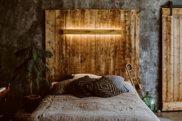 Handmade wall luminaire of oak wood 2 - iD Lights