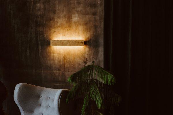 Handmade wall luminaire of oak wood 3 - iD Lights